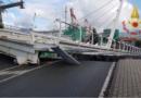 Crolla ponte levatoio a La Spezia.